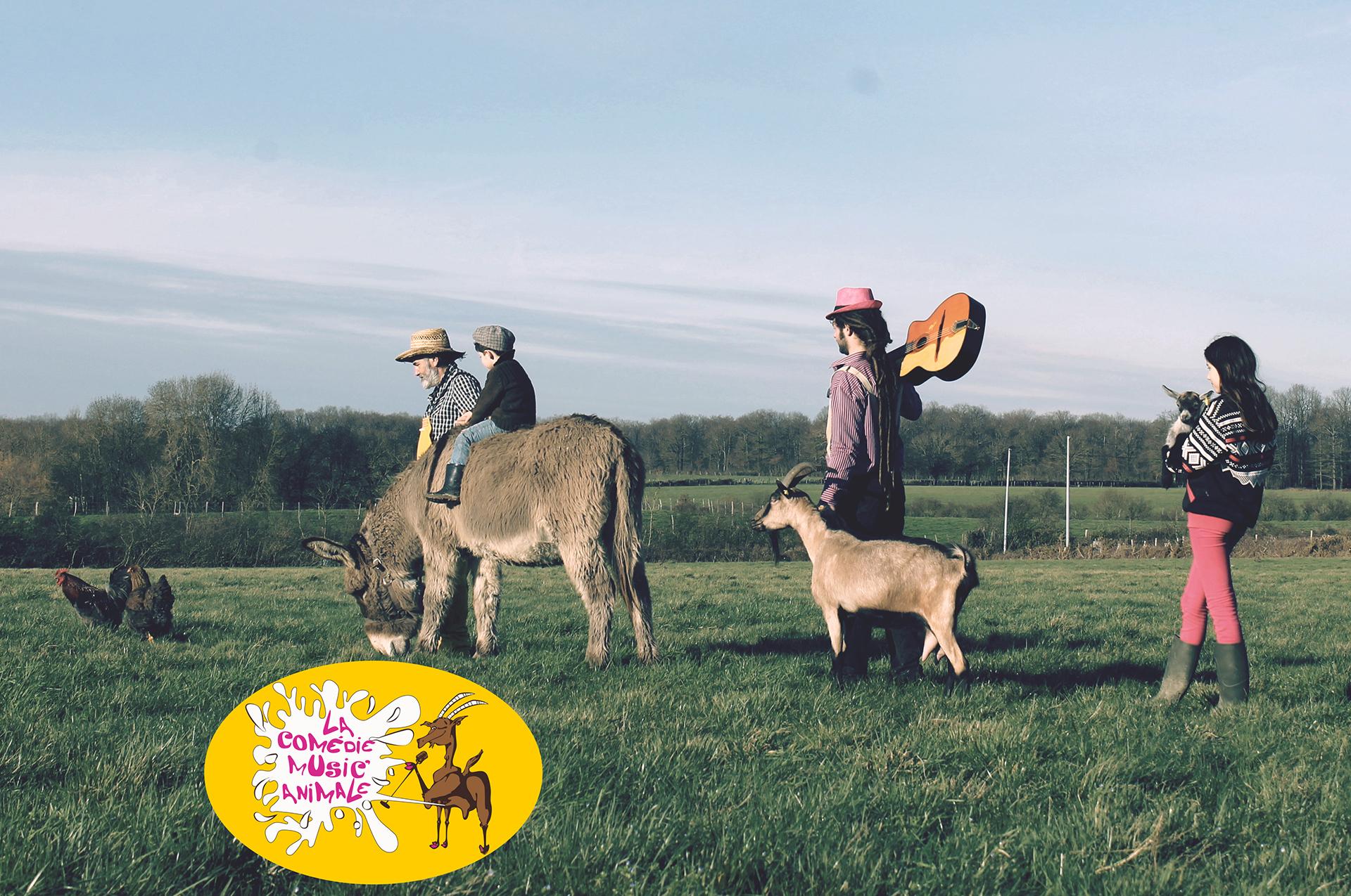 Un fermier, un musicien, deux enfants et des animaux se promènent dans un champ